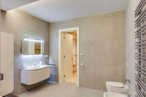 fantastic-beautiful-apartement-jurmala-18