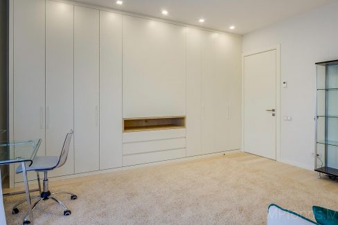 fantastic-beautiful-apartement-jurmala-21
