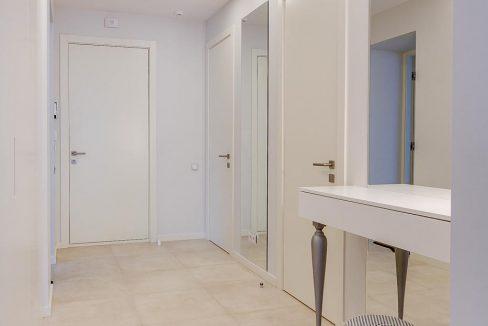 fantastic-beautiful-apartement-jurmala-23