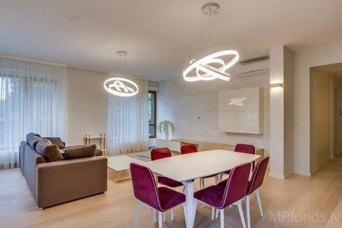 fantastic-beautiful-apartement-jurmala-3