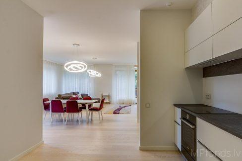 fantastic-beautiful-apartement-jurmala-6