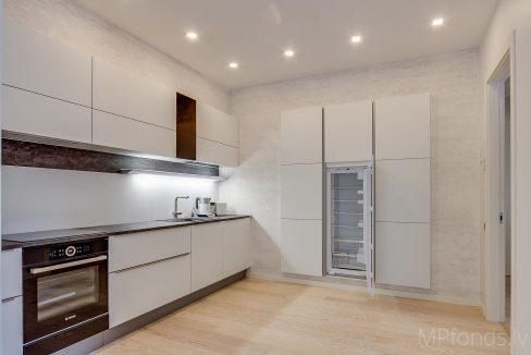 fantastic-beautiful-apartement-jurmala-7