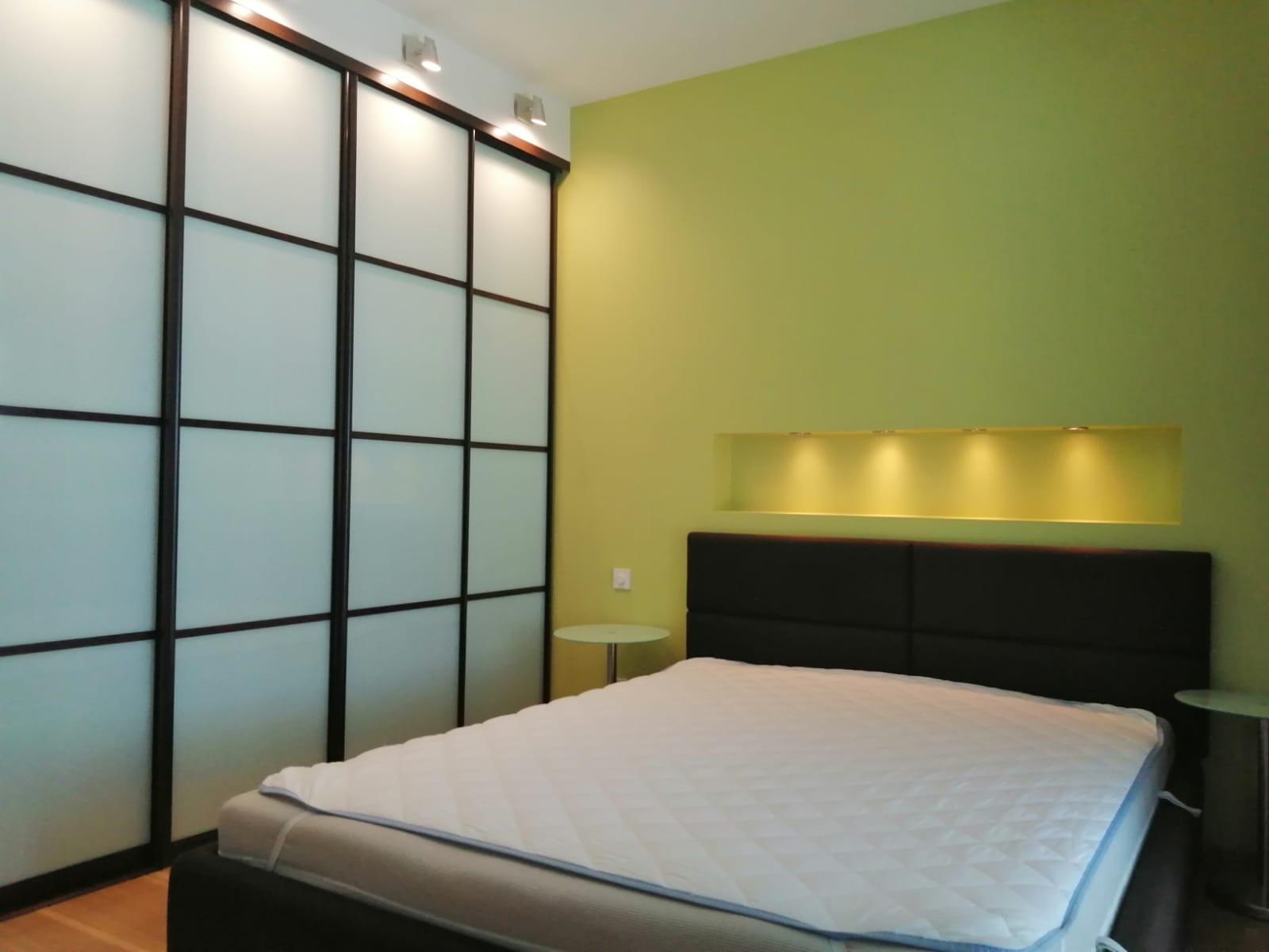 Izīrē modernu divistabu dzīvokli jaunajā projektā Teikā.